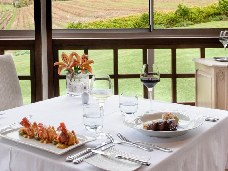 https://winelist.nl/media/cache/16x9_thumb/media/image/brand-banner/Buitenverwachtingt_restaurant.jpg