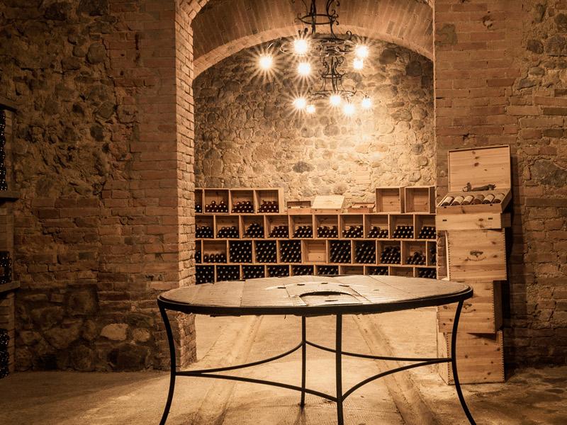https://winelist.nl/media/cache/16x9_thumb/media/image/brand-banner/CastellodellaSala_wijnkelder.jpg