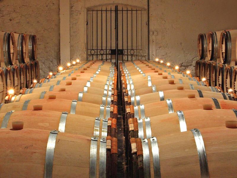 https://winelist.nl/media/cache/16x9_thumb/media/image/brand-banner/Chateaudesclanswijnton.jpg