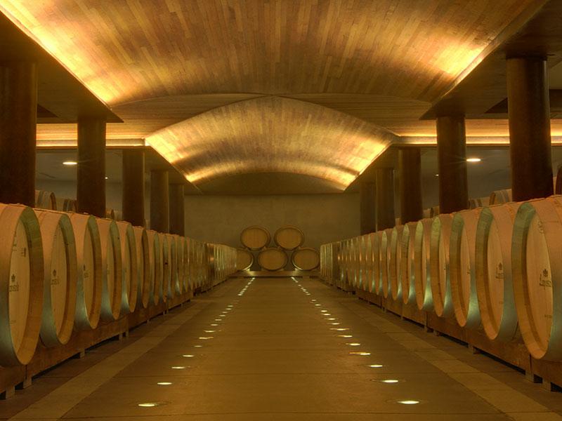 https://winelist.nl/media/cache/16x9_thumb/media/image/brand-banner/Lapostolle_estate_groot_4.jpg