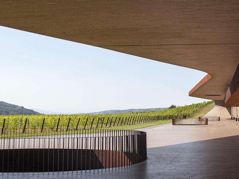 https://winelist.nl/media/cache/16x9_thumb/media/image/content/Banner-groot-antinori-estate.jpg